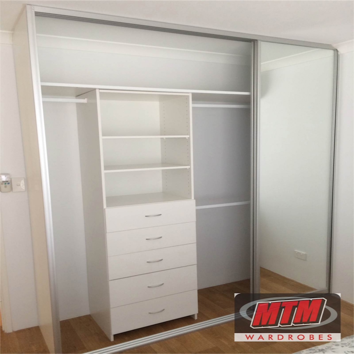 Ordinaire Wardrobe Storage